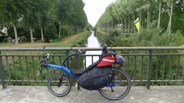 De Paris à la Rochelle en vélo couché, canal de la Dive
