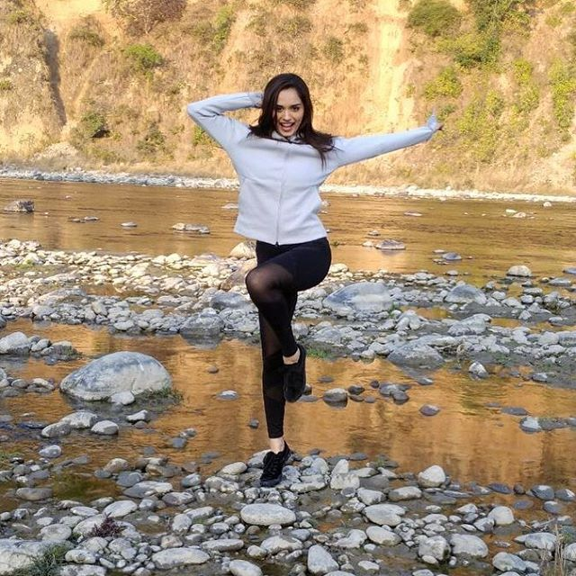 Miss World Manishi Chillar shares hot pool photo on Instagram