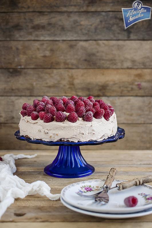Tort malinowy z czekoladą