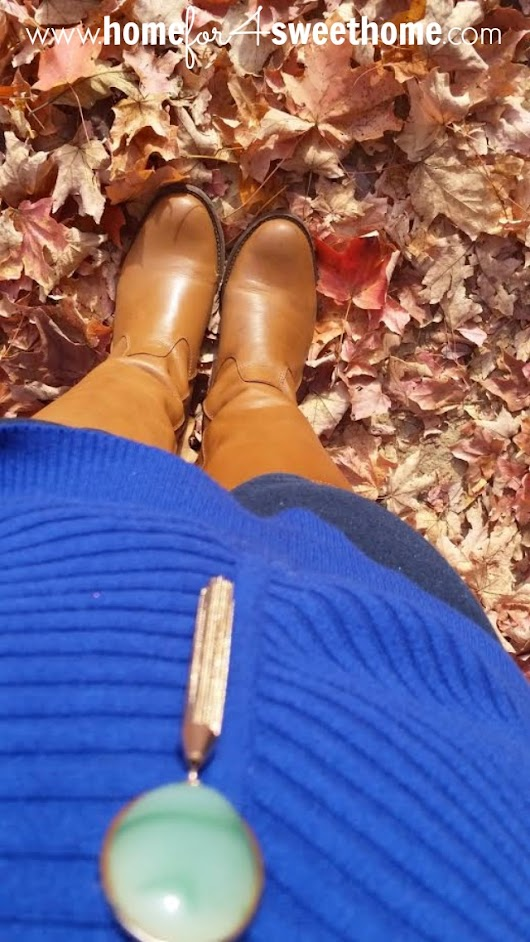 Outfit Inspiration | Blue Sweater in the Fall
