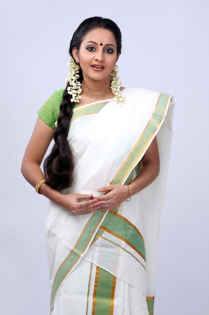 Malayalam Actresses in Onam Saree Photos hot