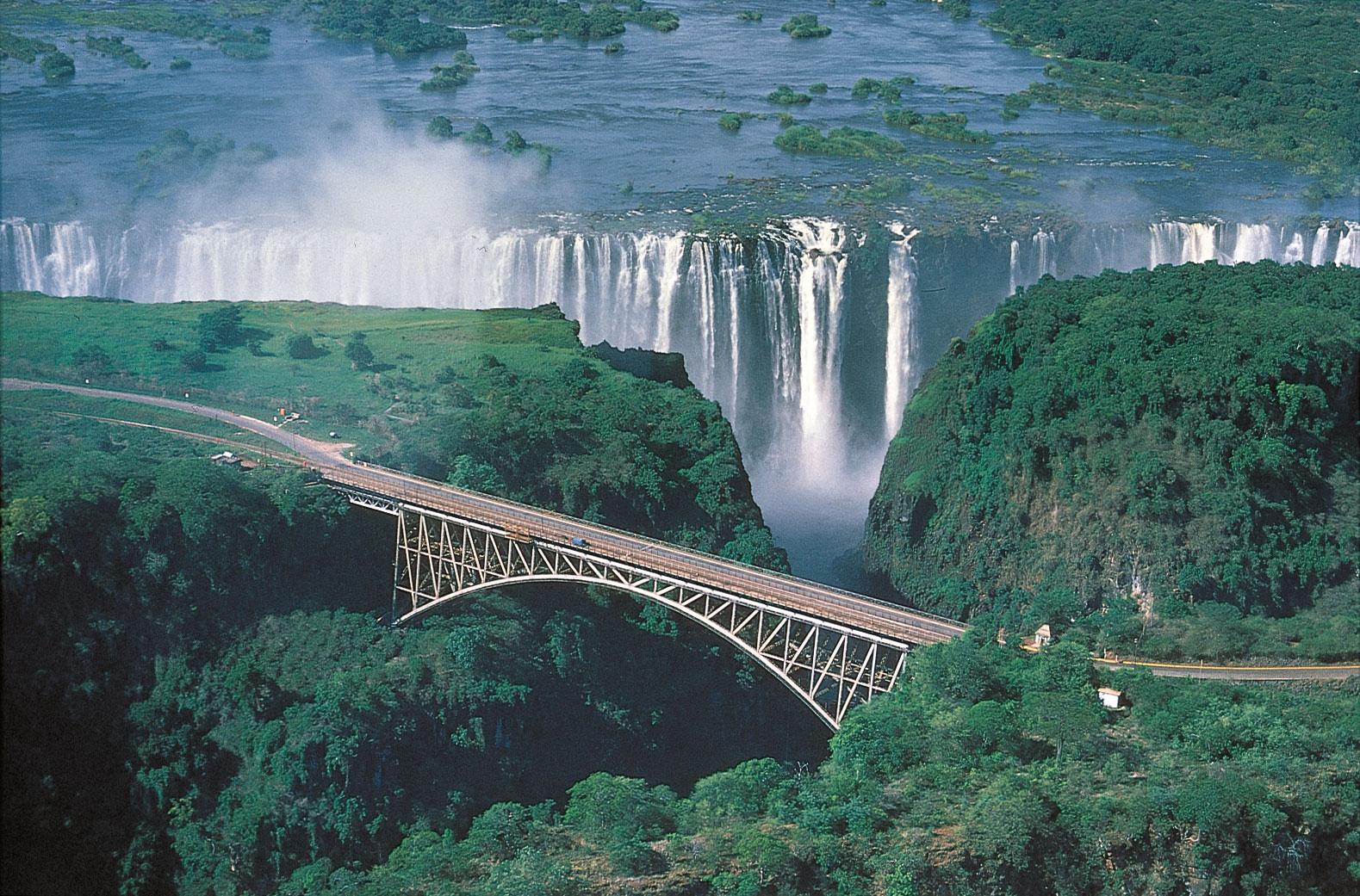 Amazing World: Amazing Victoria Falls in Zimbabwe, The ...