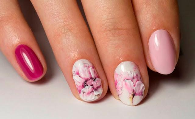 Акварельный дизайн ногтей фото