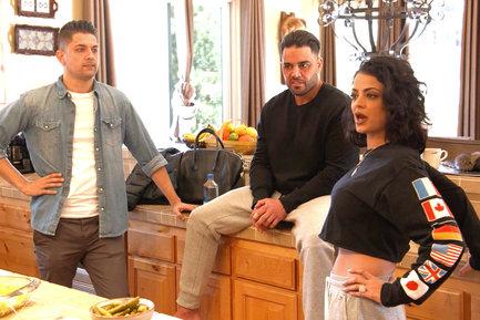 Shahs of sunset cast member dating a jackson Über fünfzig kostenlose Dating-Seiten