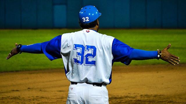 Después de cinco duelos de semifinal, los lanzadores que iniciaron la campaña vestidos de Azul, apenas han sacado 10 outs de los 132 de su selección para un anémico 7.5%.
