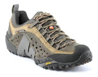 Кроссовки для несложных походов
