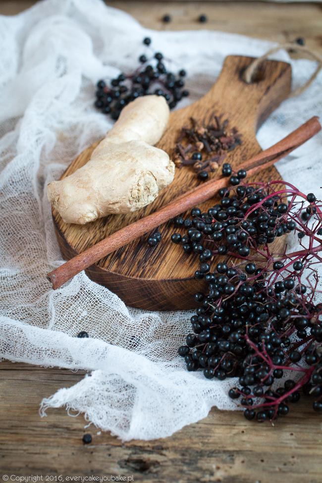 domowy syrop z owoców czarnego bzu na zdrowie i odporność