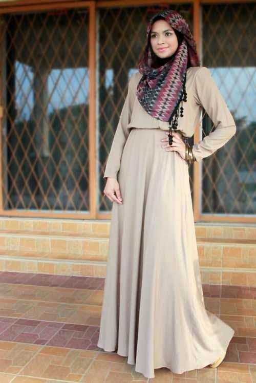 Keindahan Wanita Dengan Dress Muslim
