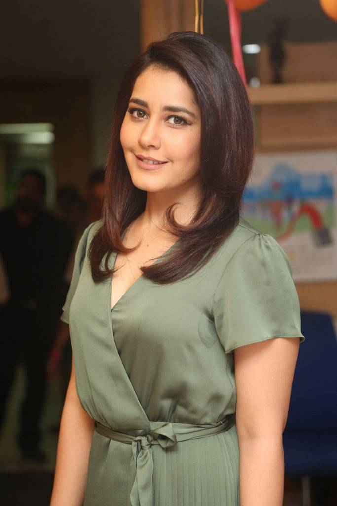 Raashi Khanna Photos In Green Dress At Radio Mirchi ❤