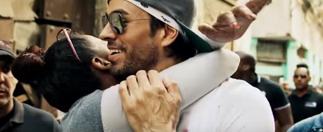 "Enrique Iglesias Premieres ""Subeme La Radio"" Music Video"