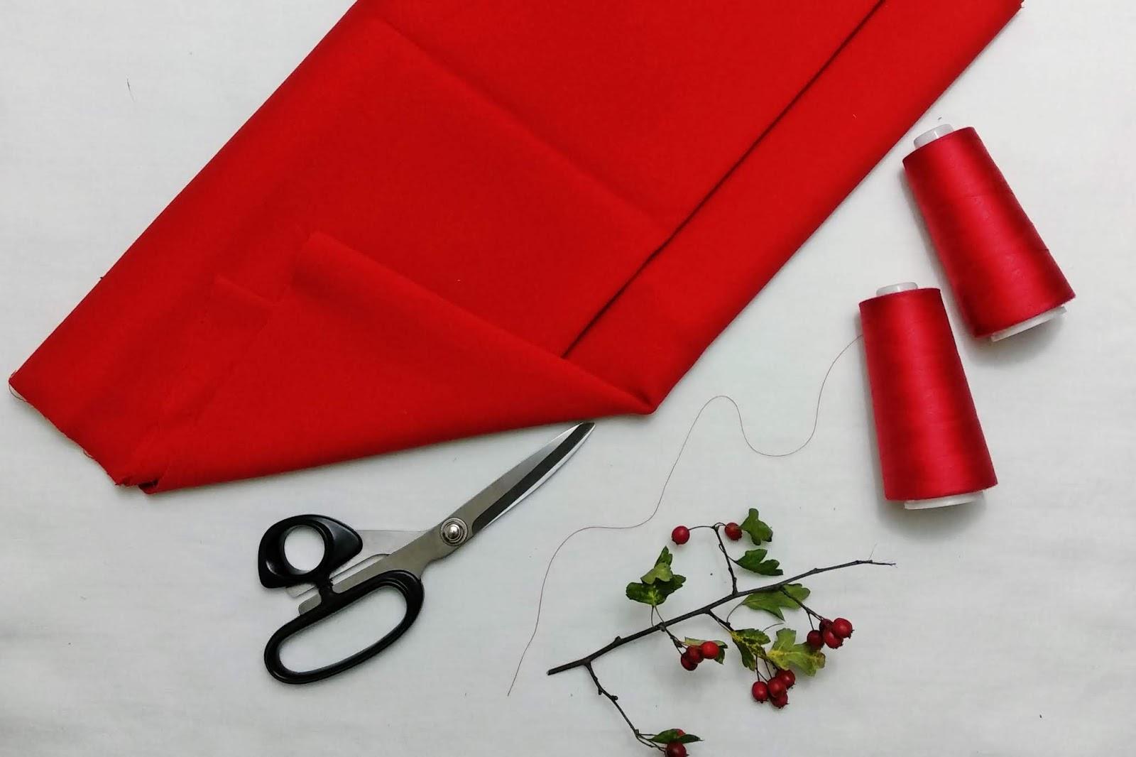 Czerwień, pepitka i dopasowana spódnica  – jak uszyć?