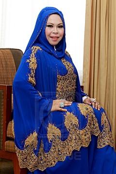 Pengasas Vida Beauty, Datuk Seri Hasmiza Othman mengadakan pertemuan dengan pemilik Rayani Air, Ravi