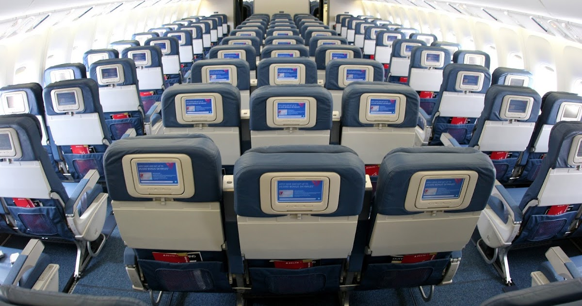 Economy Class Of Boeing 767 400er Of Delta Airlines