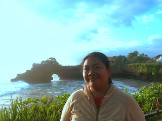 Enjoying Beautiful Ocean And Coral Reef Scenery of Batu Bolong Temple, Tabanan, Bali, Indonesia