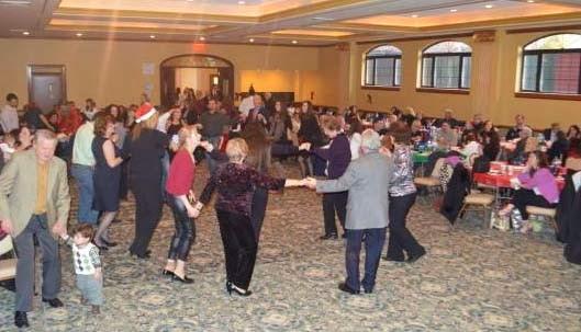 """Το χριστουγεννιάτικο πάρτι των Καστοριανών στον Χορευτικό Σύλλογο """"ΟΜΟΝΟΙΑ"""" στη Νέα Υόρκη (φωτογραφίες)"""