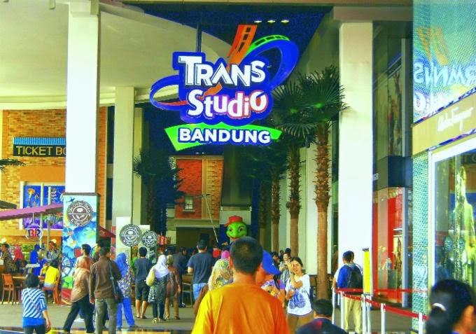 Obyek Wisata Trans Studio Bandung Jawa Barat