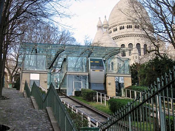 https://upload.wikimedia.org/wikipedia/fr/0/05/Funiculaire_M021.jpg