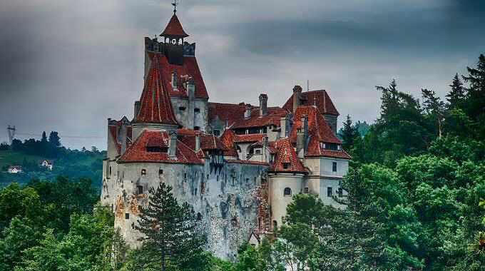 Castelul Bran, la munte