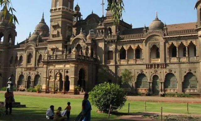 Mumbai University Says Students Participating in Events can give their Exams later