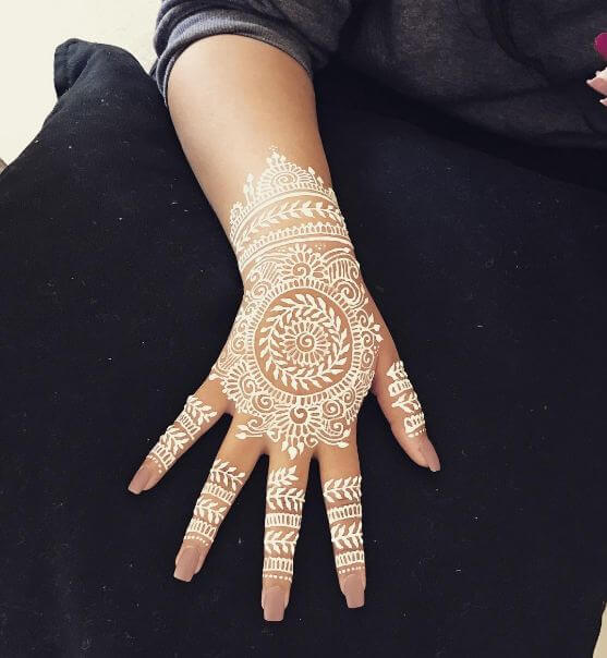 Henna Tattoo Color Brown: 50+ Simple Henna Tattoos For Girls With Meaning (2019