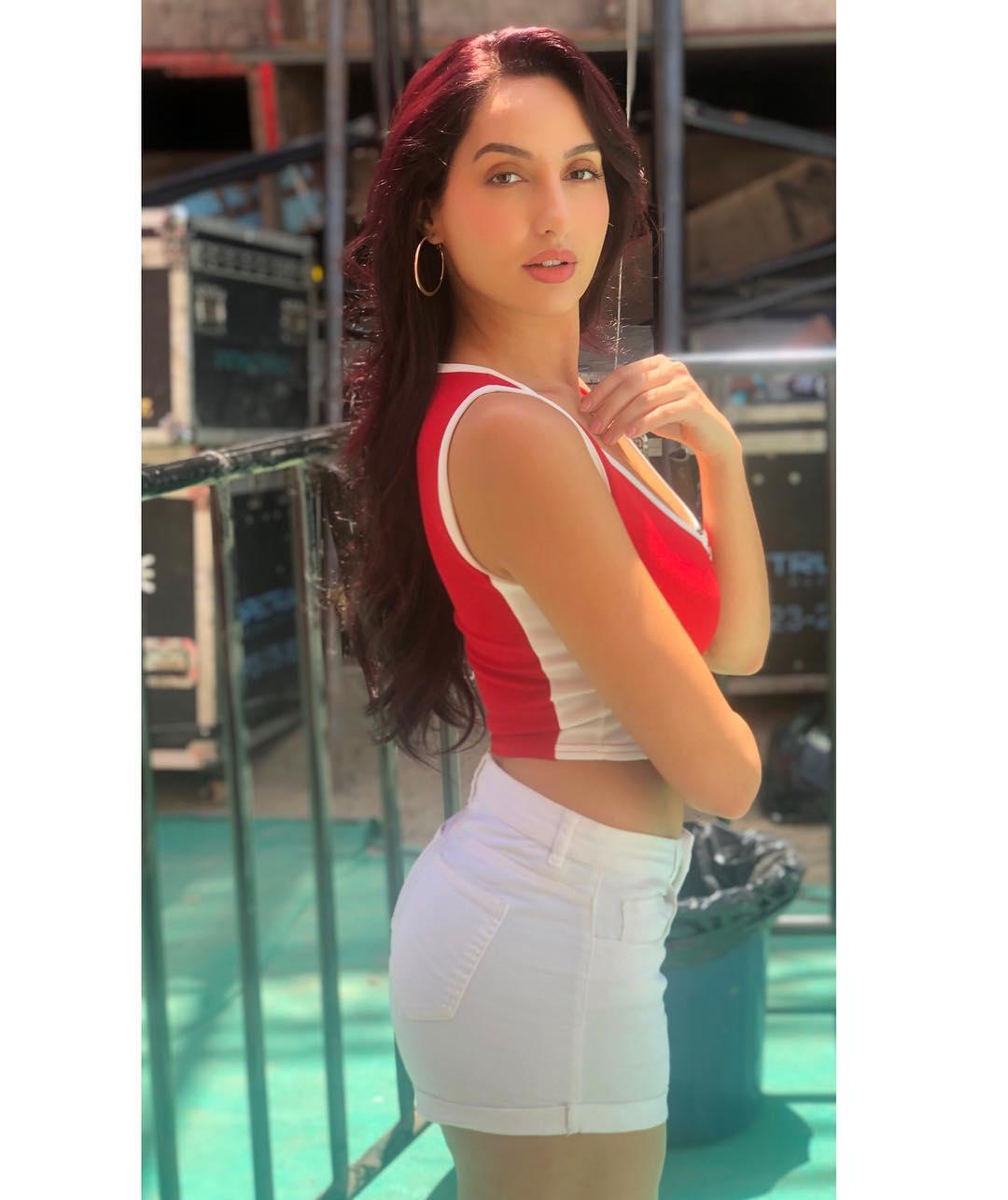 Glamorous Actress Nora Fatehi Latest Photos 2019, Nora Fatehi, Nora Fatehi Exclusive HOT Photos download, Nora Fatehi Instagram pic download