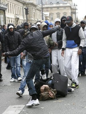 Video: Muslims Attempting too Turn France Into a Front-line of Jihad