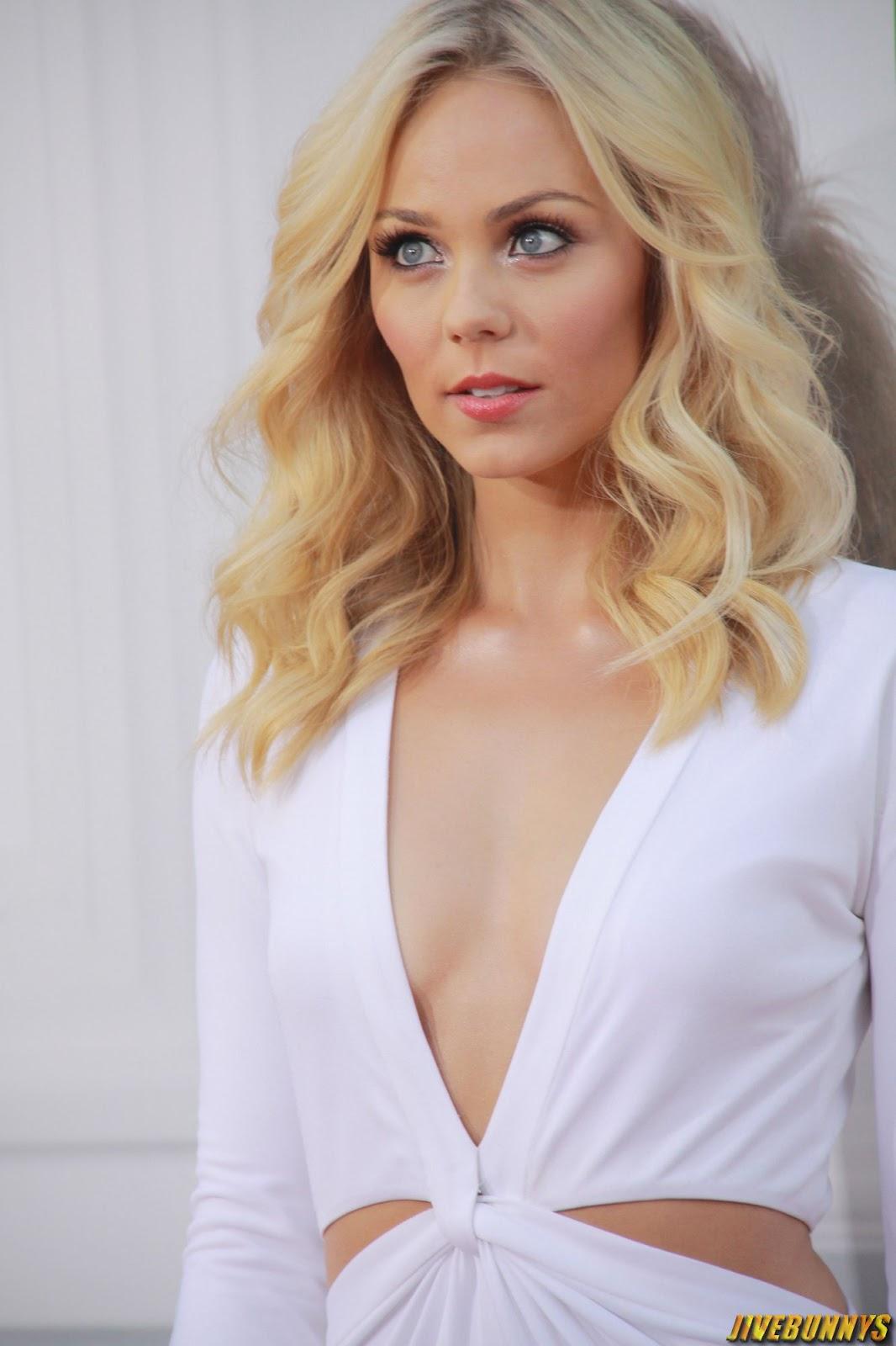 Sexy Blonde Actress 37