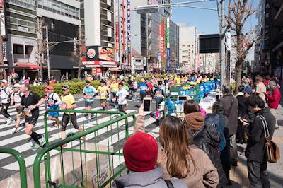 Edo-dori in Asakusabashi during the Tokyo Marathon 2017.