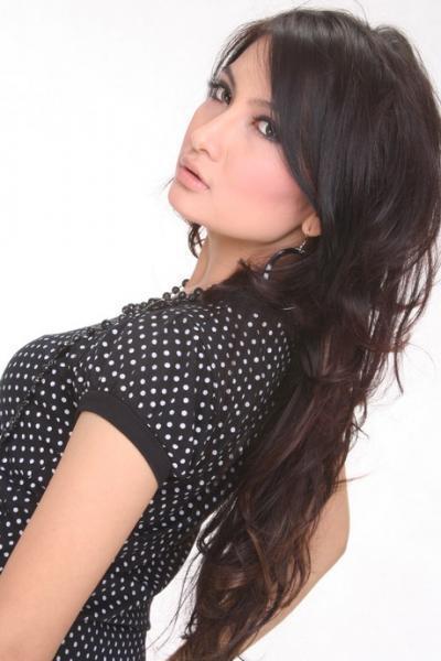 Biodata dan Profil Natalie Sarah