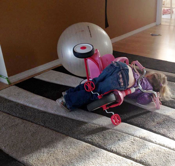 15+ Hilarious Pics That Prove Kids Can Sleep Anywhere - Napping Through The Bike Accident
