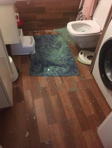 rozbiła się kabina prysznicowa