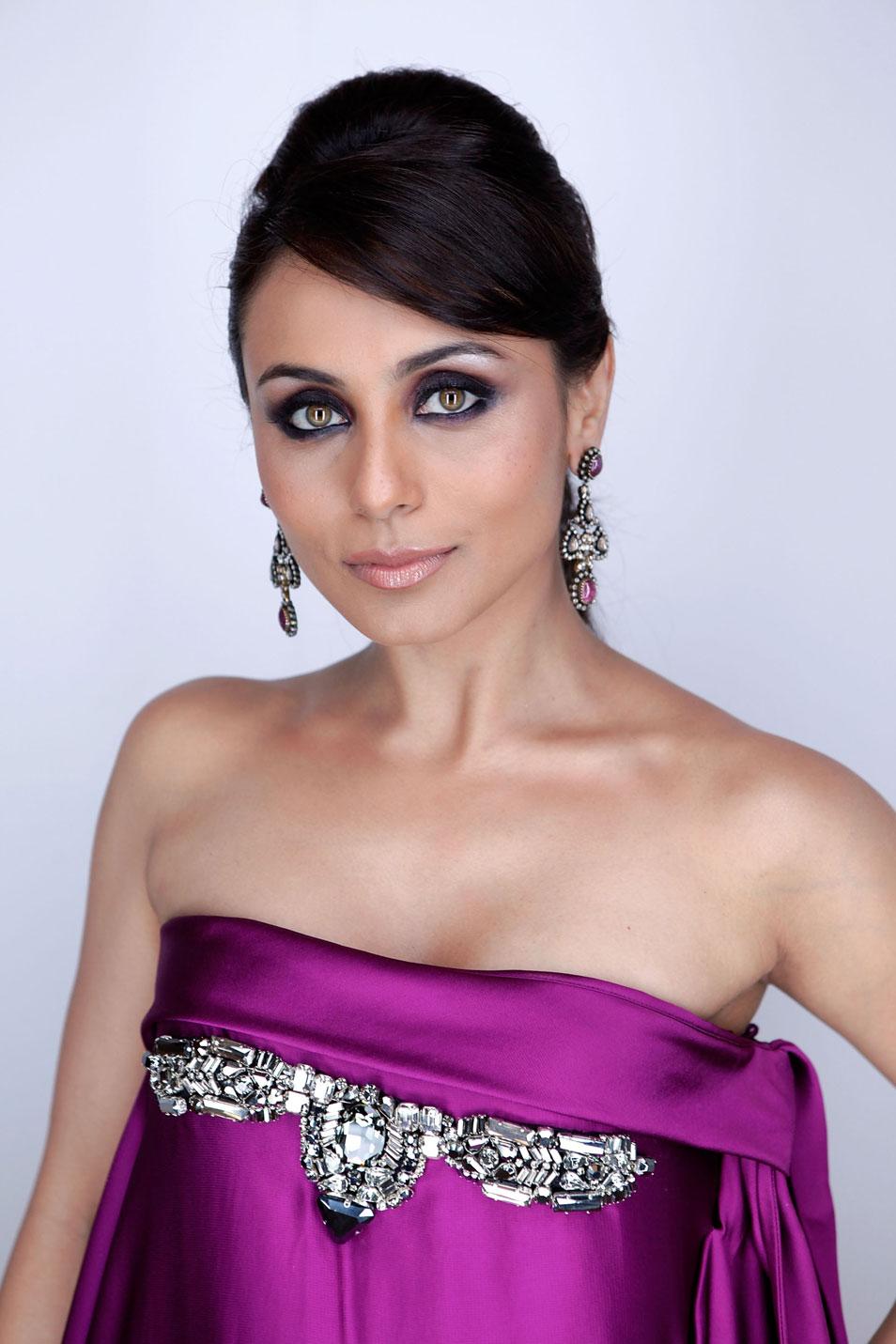 Rani: Kareena Kapoor Spicy Stills