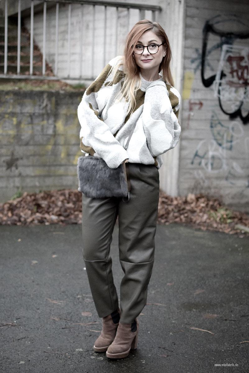 Kunstleder Hose in Olivgrün, Dicker Strickpullover von H&M