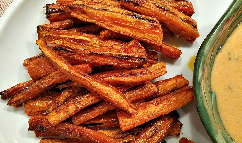 red or green?: Healthy Spicy Carrot Fries