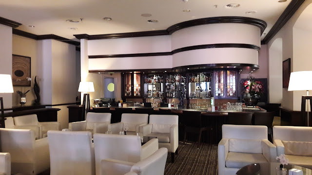 The Lobby Lounge Bar - Park Plaza Victoria Amsterdam