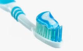 cara menghilangkan jerawat dengan pasta gigi