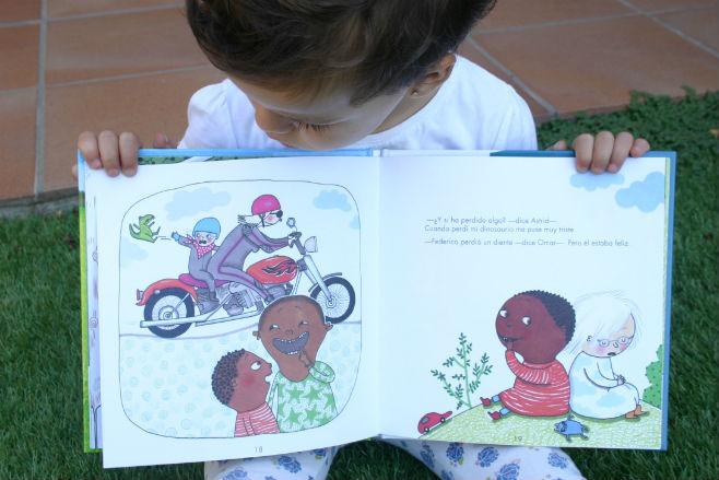 libro infantil ¿por qué llora el papá? - interior