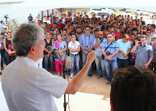 Ricardo entrega dessalinizadores de água e poço em Cubati e Nova Palmeira