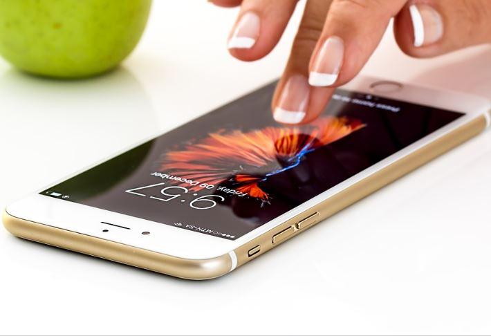 Pilih Handphone Android atau Handphone IOS?