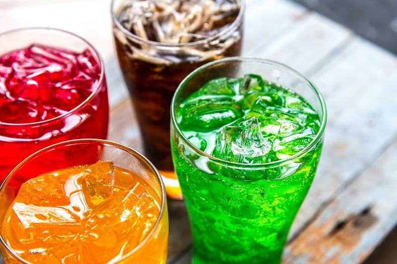 ما هي أضرار المشروبات الغازية؟