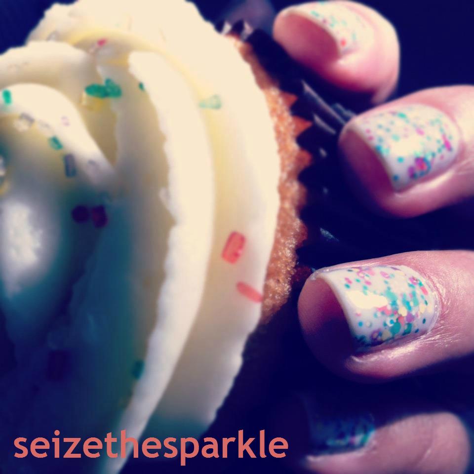 Essie Marshmallow Glitter Sandwich