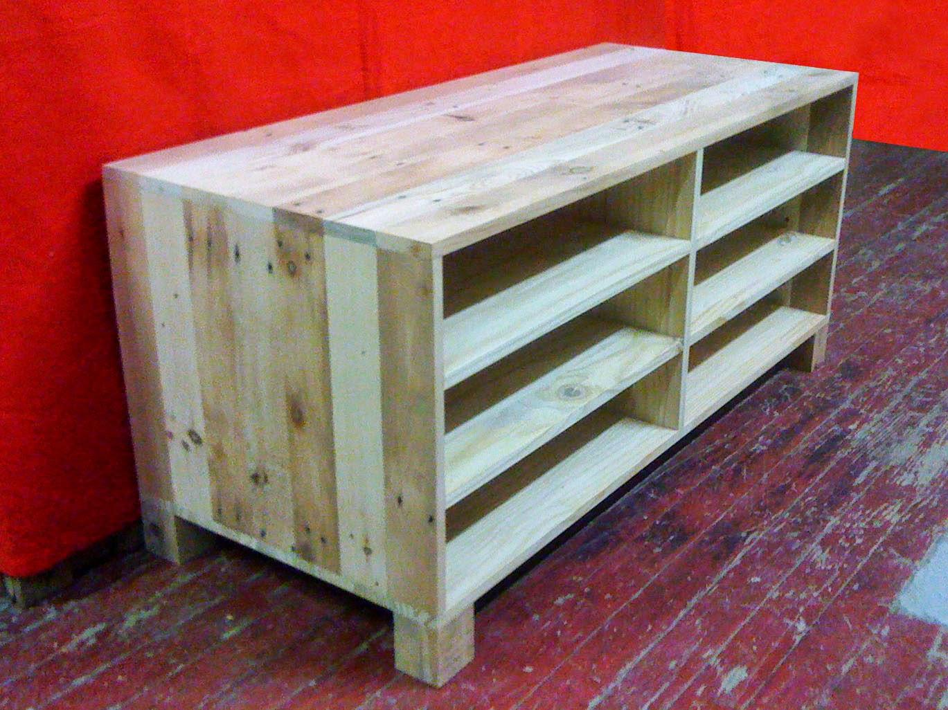 palettes de solutions strasbourg meuble tv palettes. Black Bedroom Furniture Sets. Home Design Ideas