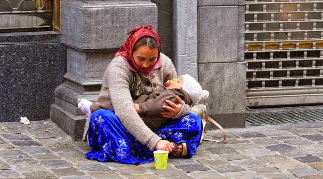 This Is Why Some Children Of Beggars Are Still Sleeping