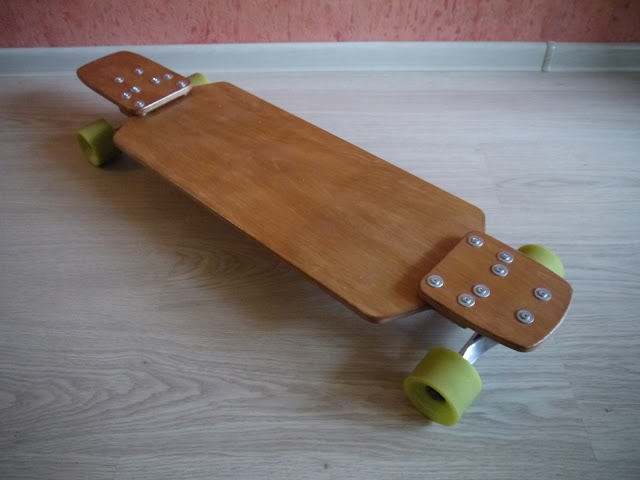 Forked sectional drop-down longboard