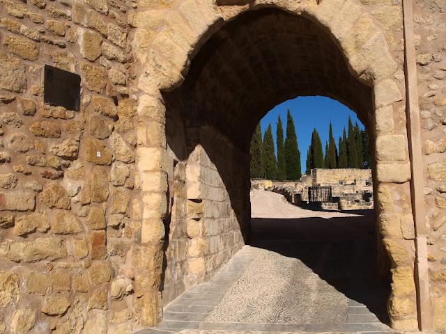 Caminando por sierras y calles de andaluc a alcal la - Harina puerta de alcala ...