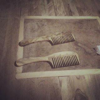 pettini in legno di ulivo realizzati con seghetto da traforo elettrico