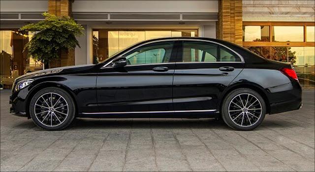 Thiết kế phần hông xe Mercedes C200 Exclusive 2019