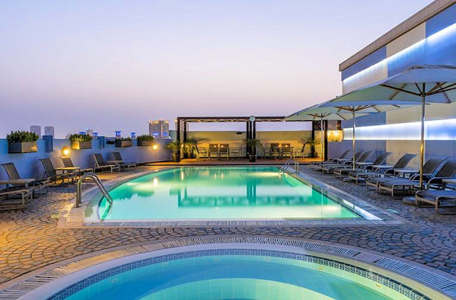 Hotel Coral Deira Dubai Pool (C) Hotel