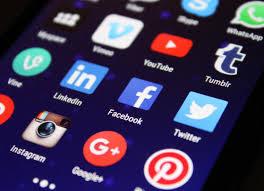 ضريبة مالية على مستخدمي فيسبوك واتساب و غيرها على أوغندا