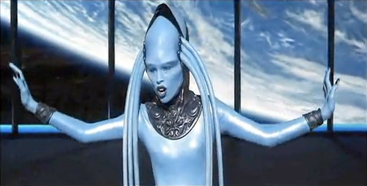 who played the blue opera singer in fifth element